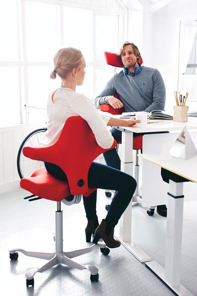 Siège ergonomique Capisco - Varier les positions de travail