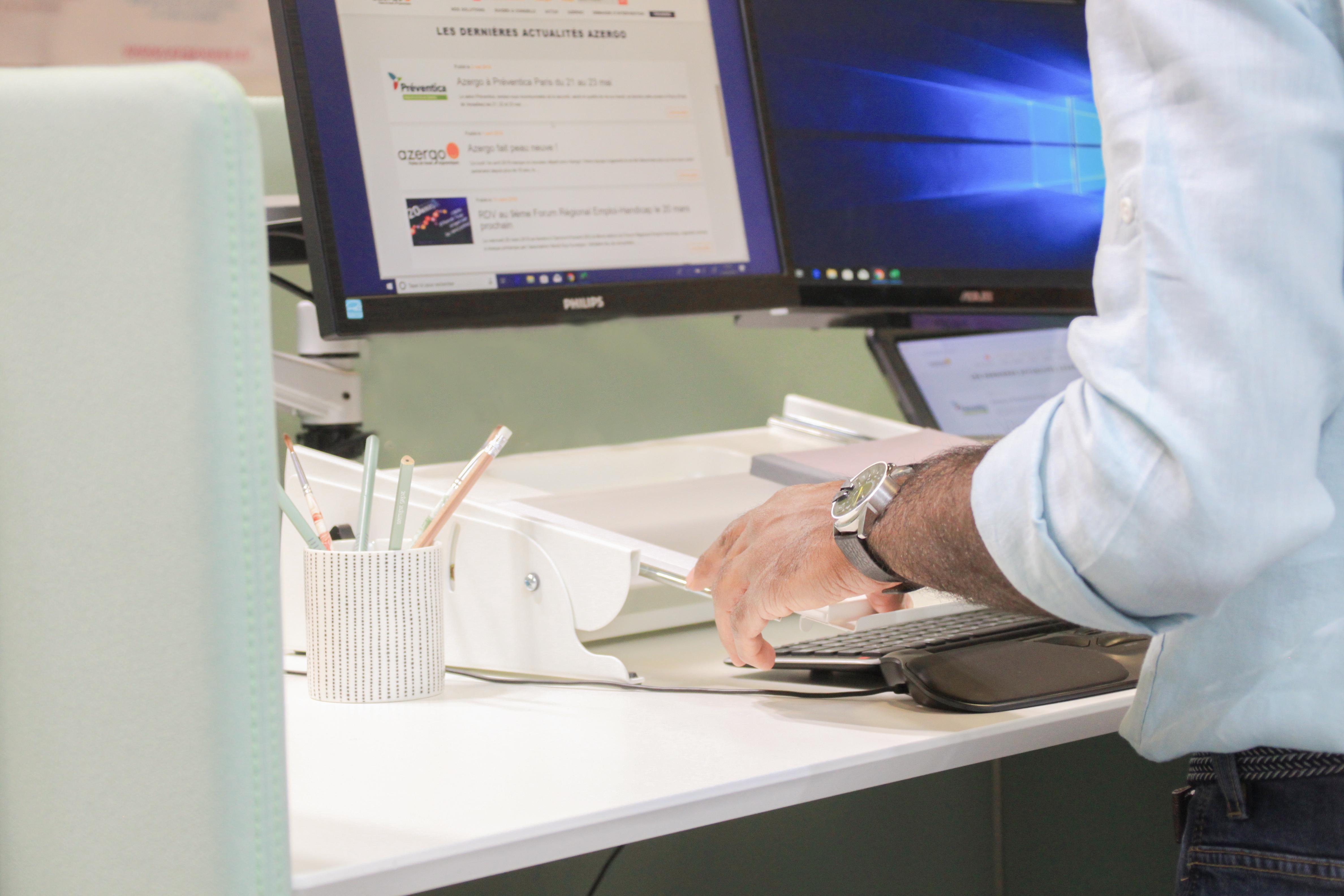 Support de document Multirite - Prévention des douleurs au dos, épaules et poignets au poste de travail