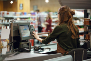 Caissière - Caissier - Supermarché - Douleurs dos et épaules - Fauteuil ergonomique - Conseils posture